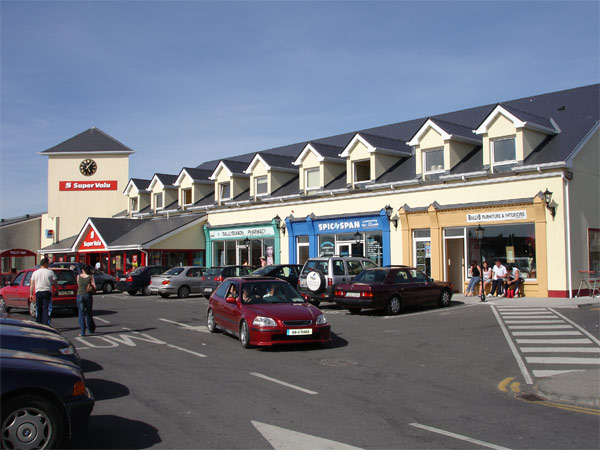 Super Valu Shopping Centre